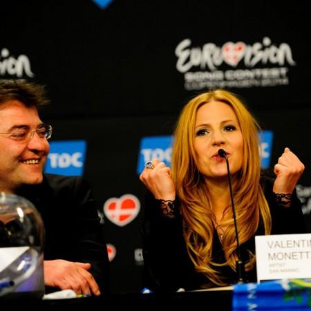 San Marino's entrant, Valentina Monetta at the Eurovision press conference with the d:screet SC4098 Podium Mic