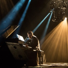 Keaton Henson uses DPA's d:facto II and d:dicate mics on piano