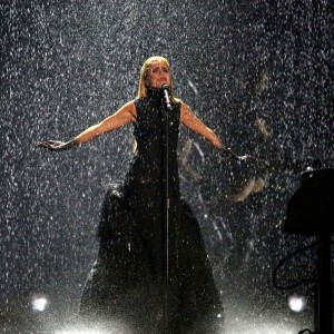Paloma Faith and the DPA d:facto II taking a downpour